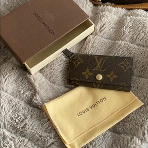 Louis Vuitton 4-key holder